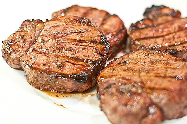 How to Grill the Perfect Steak // addapinch.com