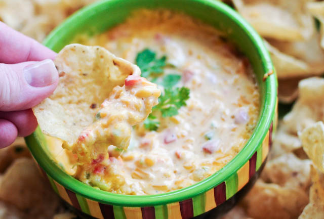 Hot Pimento Cheese Dip | ©addapinch.com
