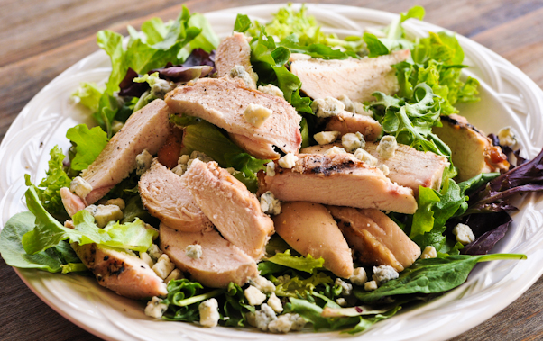 Grilled Chicken and Gorgonzola Salad - Add a Pinch