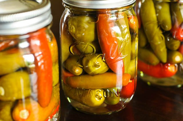 913dcfbc72b1 Here s how he made his pepper sauce. This recipe is for one pint jar.