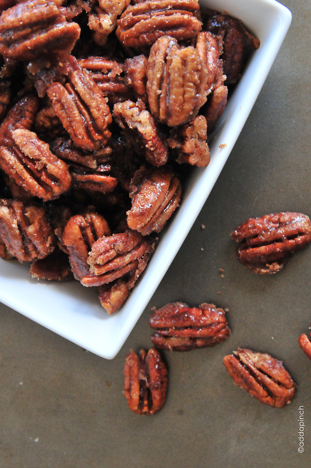 Skillet Cinnamon Pecans from addapinch.com