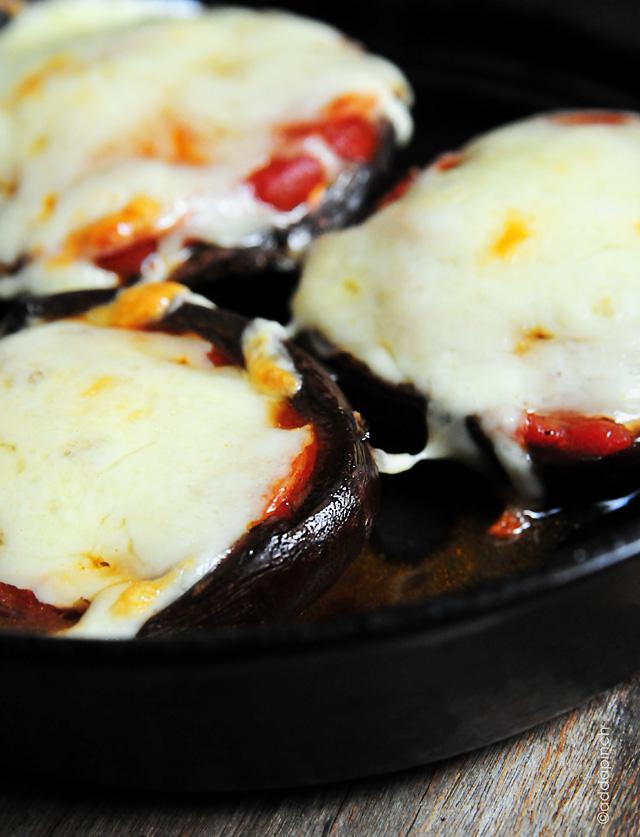 pizza-stuffed-mushrooms-DSC_1849