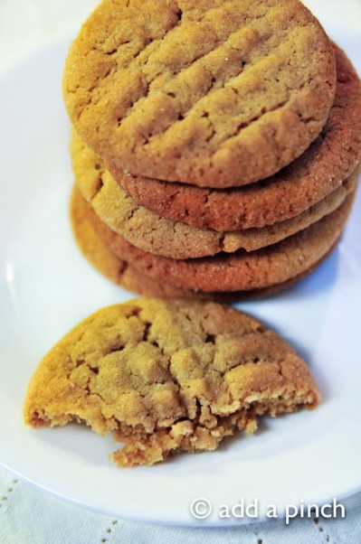 Peanut Butter Cookies  | addapinch.com