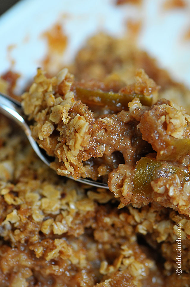 Apple Crisp is the perfect dessert for the apple lover. This apple ...