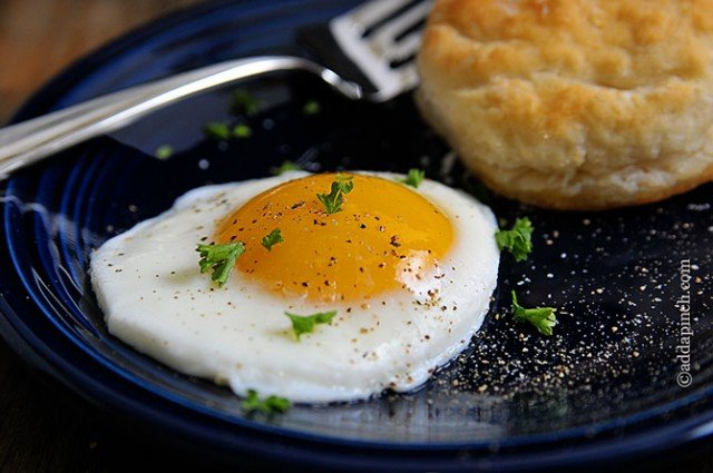 How to Make Sunny Side Up Eggs Recipe - Add a Pinch
