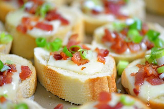 Cheesy Bacon Bread | ©addapinch.com