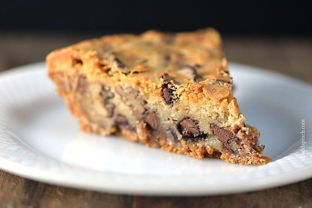Chocolate Chip Cookie Pie | ©addapinch.com