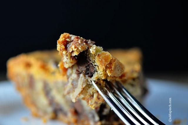 Chocolate Chip Cookie Pie | ©addapinch.com