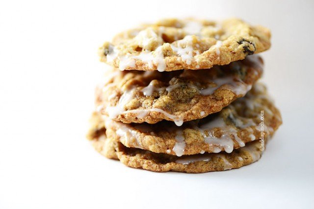 Iced Oatmeal Cookies | ©addapinch.com
