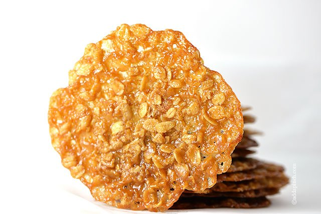 Oatmeal Lace Cookies | ©addapinch.com