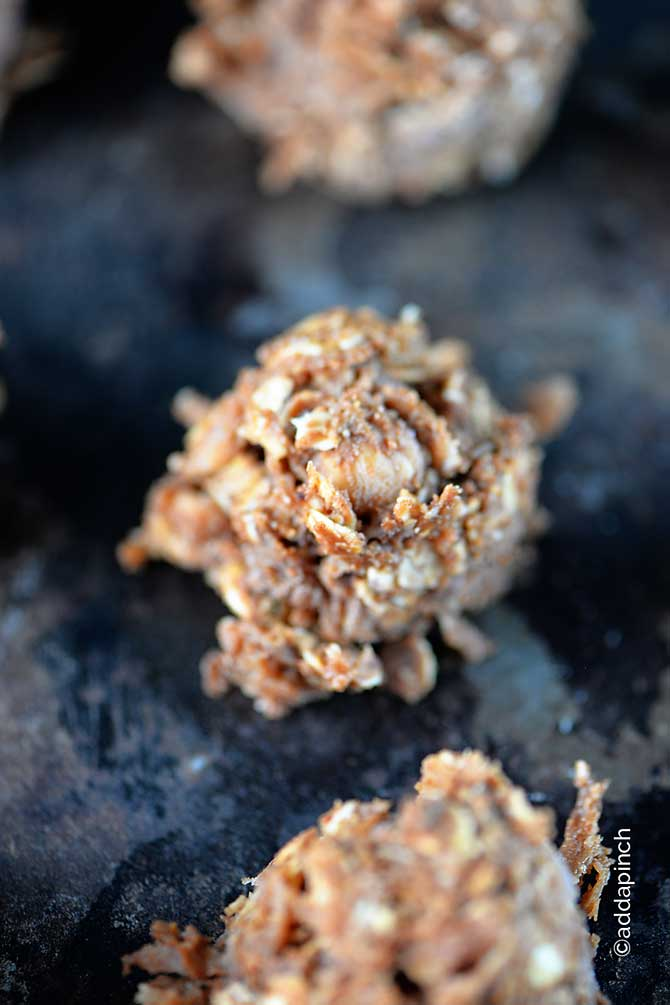 no-bake-chocolate-peanut-butter-cookies-recipe-DSC_4673