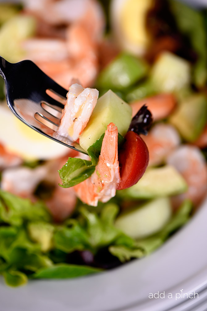 Shrimp Chef Salad Recipe - this salad comes together quickly for an easy meal for lunch or supper! // addapinch.com