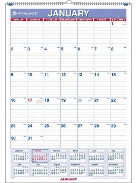 Organized Living :: Creating a Family Calendar