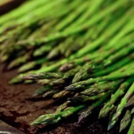 roasted asparagus recipe | ©addapinch.com