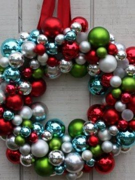 Mingle Monday {7 Christmas Wreaths Tutorials}