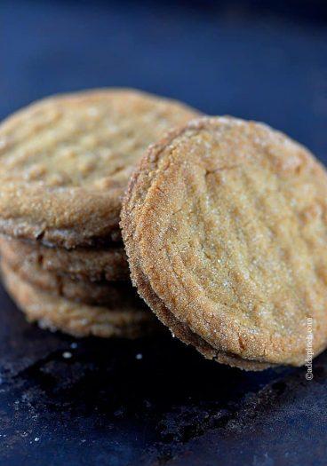 Peanut Butter Cookies | addapinch.com