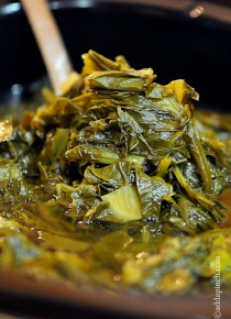 Slow Cooker Turnip Greens Recipe