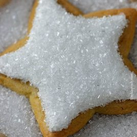 Cookie icing recipe perfect for using for decorating or icing sugar cookies or other types of cookies. Get this simple, family heirloom cookie icing recipe you are sure to love. // addapinch.com