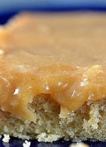 peanut-butter-icing-recipe-horz-DSC_4633-670x445