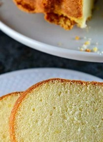 classic-pound-cake-recipe-DSC_4797-670x445