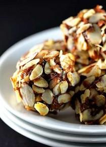 date-energy-balls-recipe-DSC_5332-670x445