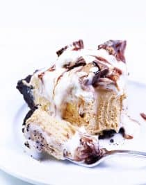Peanut Butter Pie Recipe - A simple, no-bake peanut butter pie recipe that is perfect for the peanut butter lover! // addapinch.com