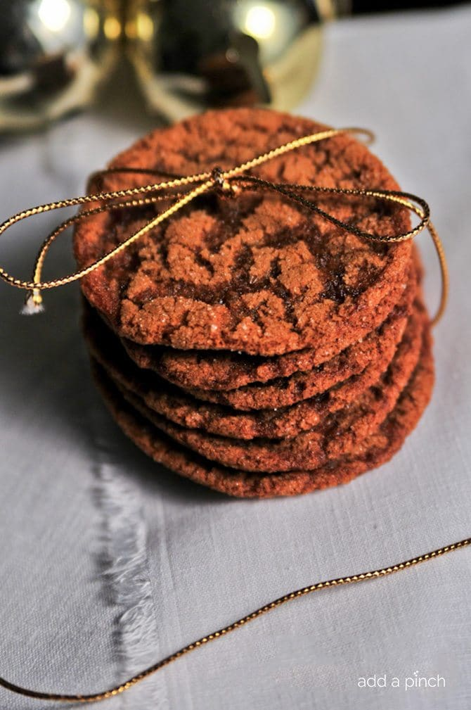 Chewy Ginger Molasses Cookies Recipe - Chewy Molasses Ginger Cookies instantly make your house smell out of this world delicious and like the Christmas fairies have visited. // addapinch.com