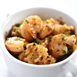 Garlic Shrimp Recipe from addapinch.com