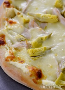 rp_chicken-artichoke-pizza-recipe_DSC2189.jpg
