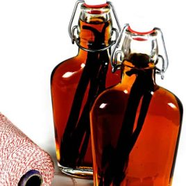 Homemade Vanilla Extract - Making homemade vanilla extract is so easy! With just two ingredients and about 5 minutes of hands-on time, you'll love making this pantry staple at home! Great for gift giving, too! // addapinch.com