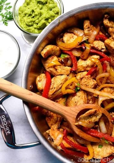Chicken Fajita Recipe - This Chicken Fajita recipe makes a quick, delicious meal perfect for a busy weeknight supper or a fun weekend meal! // addapinch.com