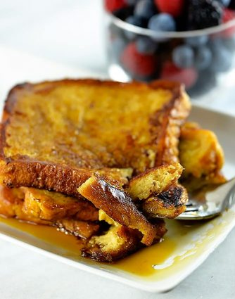 This French toast recipe makes a delicious breakfast or brunch. Make this simple, yet perfect French toast recipe that everyone will love. // addapinch.com