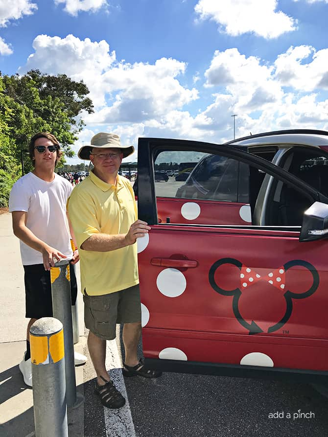 Disney Minnie Van Service 2017 // addapinch.com