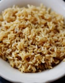 Instant Pot Brown Rice Recipe - This no-fail, easy as can be brown rice recipe is perfect for busy weeknights and easy meal prep! // addapinch.com