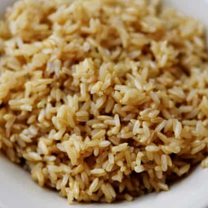 Instant Pot Brown Rice Recipe - This no-fail, easy as can be brown rice recipe is perfect for busy weeknights and easy meal prep!// addapinch.com