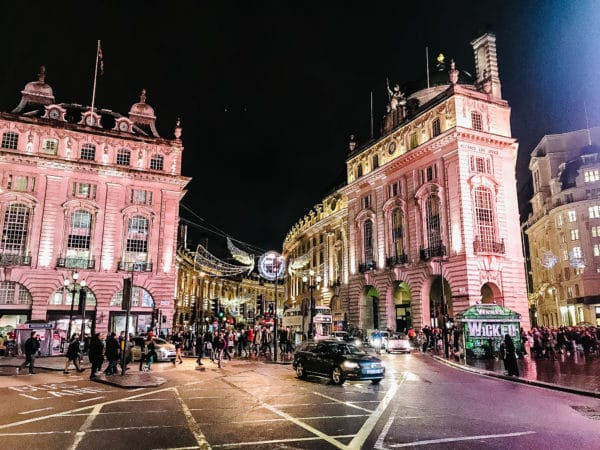 London in Three Days - A list of some of the most noteworthy stops and must-do's to help you make the most of your trip to London! // addapinch.com