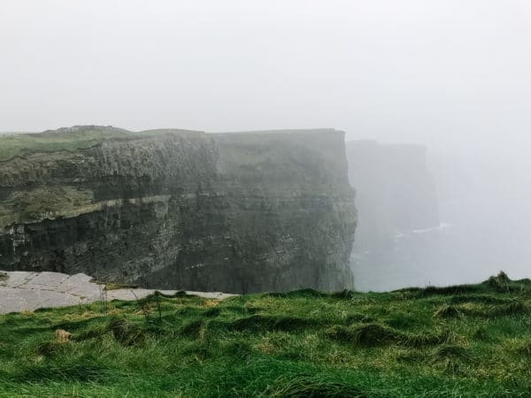Ireland is a breathtakingly beautiful place filled with history, culture, and sweeping landscapes. You could spend days exploring, but here are my top stops for quick trips! // addapinch.com